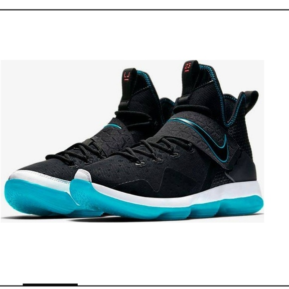 "wholesale dealer dad29 0fe4d Nike LeBron 14 ""Red Carpet"". M 5c6bfee503087c42b3fa6c23"